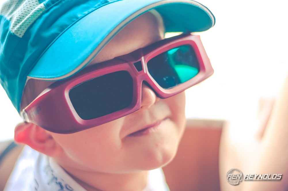 Kid using VR goggles